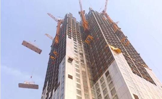 """57层楼19天建成  岂是""""中国新常态""""?"""