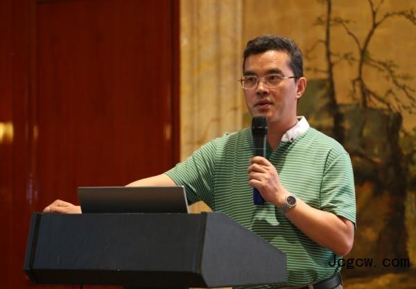 变革 破局 创新 ――2015年中国桩工机械协(学)会年会在渝召开