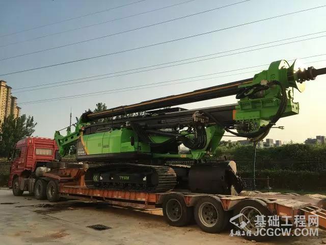 泰信KR125A旋挖钻机发车