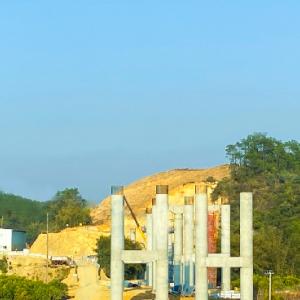 信梧高速大平河特大桥所有桩基顺利完成浇筑